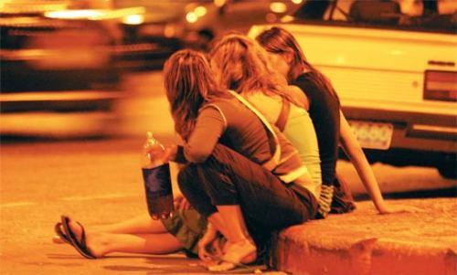 bebiendo La Adolescencia y sus Etapas