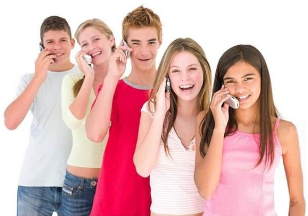 El uso del movil en niños y adolescentes